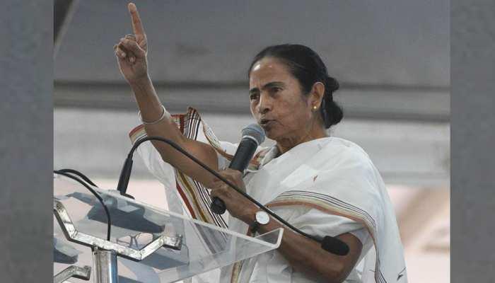 चंद्रयान 2: भारत रचने जा रहा है इतिहास, फिर भी ममता बनर्जी को सूझ रही राजनीति