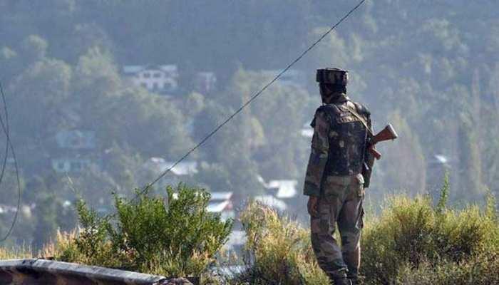 पाकिस्तान ने पुंछ में किया सीजफायर उल्लंघन, सोपोर में आतंकियों ने लोगों पर की फायरिंग