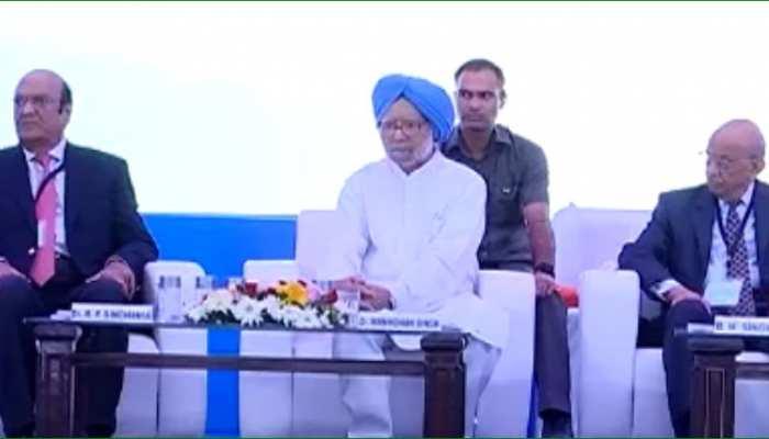 देश की अर्थव्यवस्था को लेकर फिर बोले पूर्व पीएम मनमोहन सिंह, कहा...