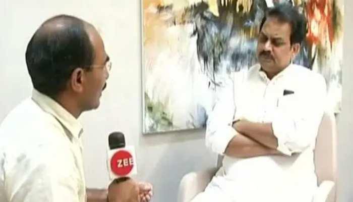 महाराष्ट्र में कांग्रेस को लगा बड़ा झटका, पूर्व मंत्री हर्षवर्धन पाटिल बीजेपी में हुए शामिल