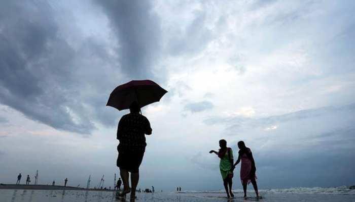 गुजरात में लगातार बारिश से जीवन अस्त-व्यस्त, खंभालिया में फटा बादल