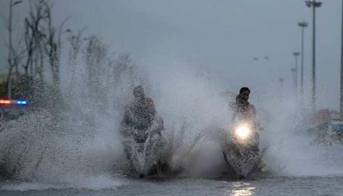 गुजरात में फिर बारिश का कहर, 108 तालुकाओं में 24 घंटों में 118 फीसदी बरसा पानी