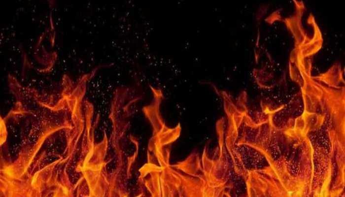 उदयपुर: चलती ट्रेलर में लगी आग, बाल बाल बची चालक और खलासी की जान