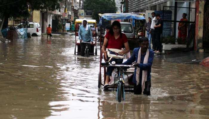 मध्य प्रदेशः मंदसौर में भारी बारिश से बिगड़े हालात, प्रशासन ने जारी किया अलर्ट