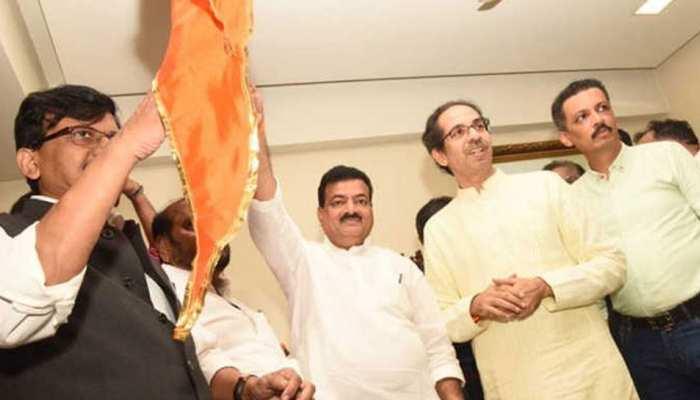 महाराष्ट्र: शरद पवार की पार्टी को एक और झटका, भास्कर जाधव ने थामा शिवसेना का दामन