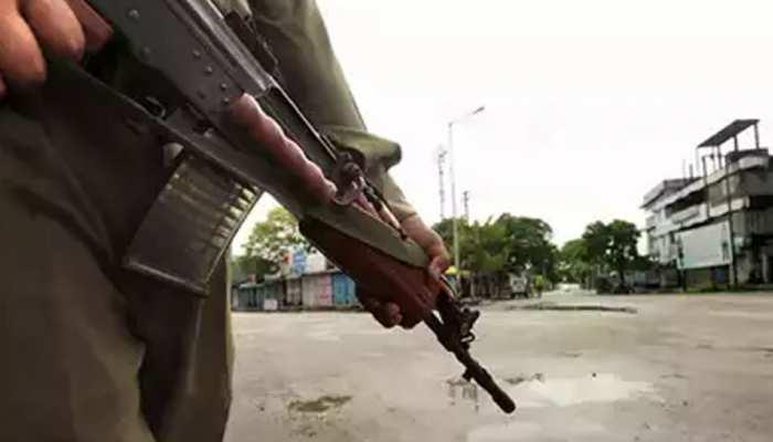 जम्मू-कश्मीर: किश्तवाड़ से हटा कर्फ्यू, लेकिन बंद रहेंगे जिले के स्कूल-कॉलेज
