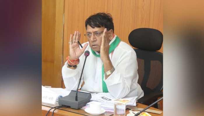 कमलनाथ सरकार के मंत्री बोले, 'एक महीने का वेतन देकर शिवराज कर रहे हैं नौटंकी'