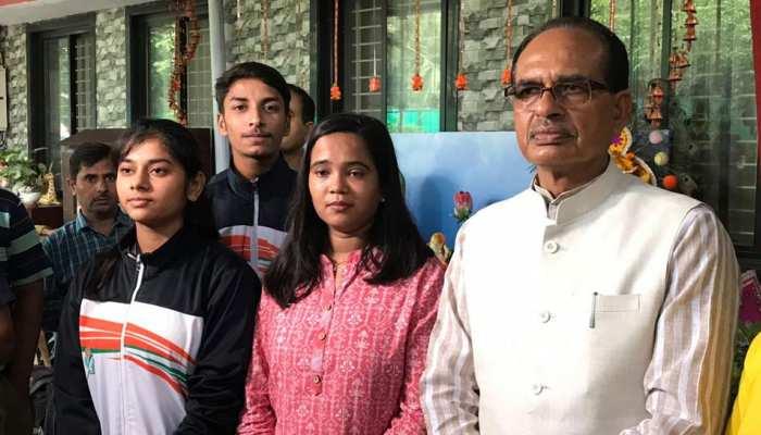 कमलनाथ सरकार ने नहीं सुनी बात, जंप रोप की नेशनल प्लेयर ने की शिवराज से मुलाकात