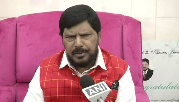 महराष्ट्र चुनाव: रामदास अठावले ने शिवसेना-बीजेपी से मांगी 10 सीटें, बोले - एनडीए 240 सीटें जीतेगा