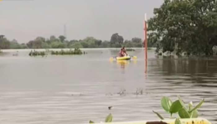 सवाई माधोपुर: बनास नदी में पानी छोड़ने के कारण टापू बने कई गांव, SDM ने किया दौरा