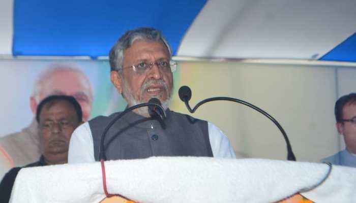 सुशील मोदी का विचित्र बयान, बोले- 'पितृपक्ष, खरमास के कारण ऑटो सेक्टर में मंदी'