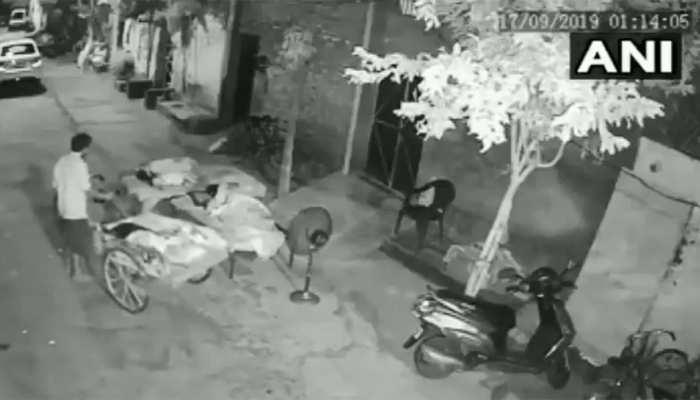 VIDEO: 4 साल की बच्ची को चोरी करने आया शख्स, परिवार की खुल गई नींद और...