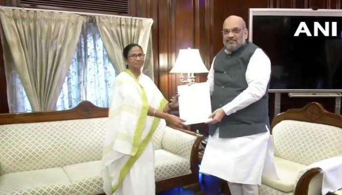ममता बनर्जी ने की गृह मंत्री अमित शाह से मुलाकात, NRC को लेकर सौंपा पत्र