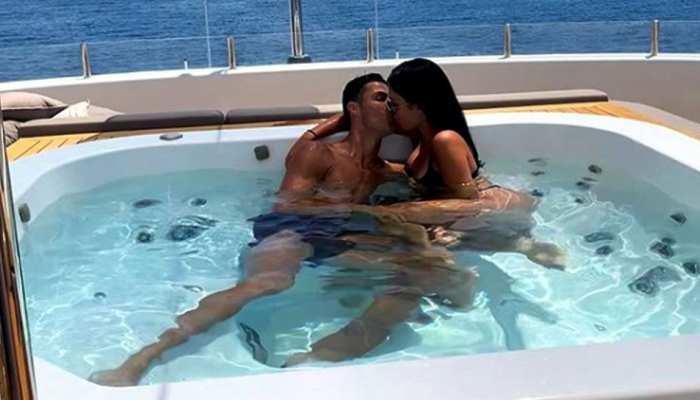 OMG: रोनाल्डो ने बताया गर्लफ्रेंड के साथ अपना खास लम्हा, जवाब सुनकर कहेंगे ओह्ह...