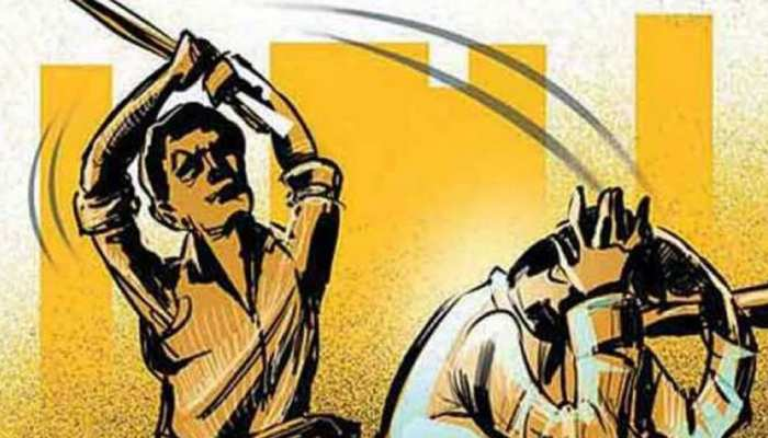 बांसवाड़ा: घटोल में बच्चा चोर की जमकर पिटाई और पथराव, पुलिस ने मुश्किल से बचाई जान