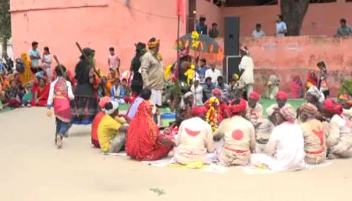 उदयपुर में गवरी नृत्य के माध्यम से आदिवासी समुदाय दे रहा पर्यावरण संरक्षण का संदेश