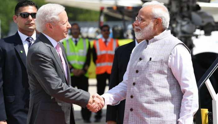 अमेरिका पहुंचने के बाद प्रधानमंत्री नरेंद्र मोदी का ट्वीट- Howdy ह्यूस्टन!