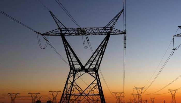 जौनपुर: DM ने दिया आदेश, पहले दिखाओ बिजली का बिल, फिर मिलेगा सरकारी योजना का लाभ
