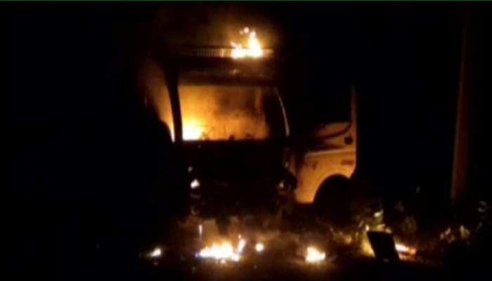 राजस्थान: चलते टेम्पो में अचानक लगी आग, चालक ने टेंपो से कूदकर बचाई जान