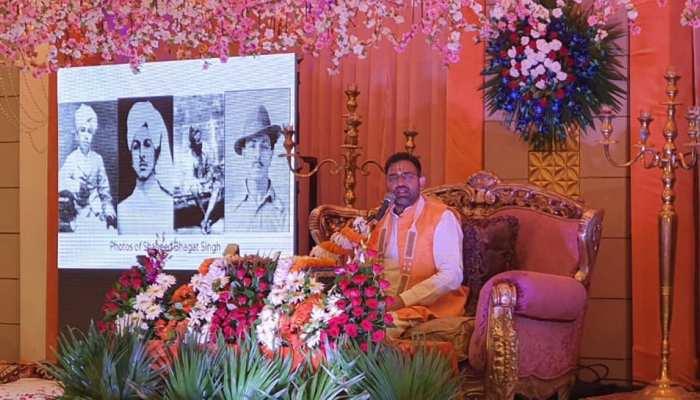 'अथ श्री राष्ट्र गाथा' में वीरों की कथाओं के साथ दिया गया संतों का ज्ञान
