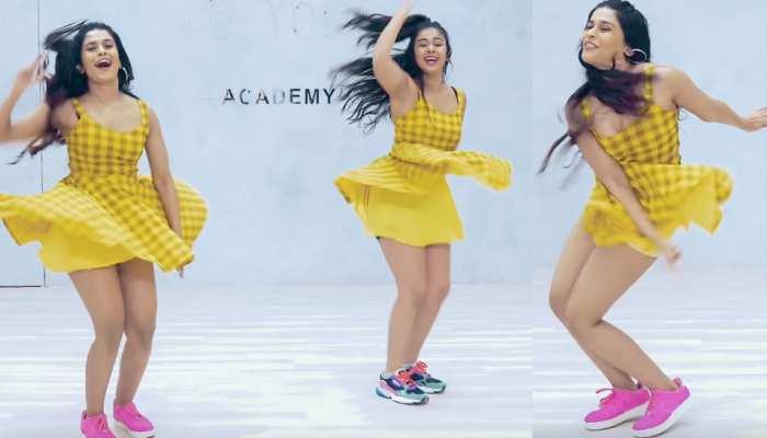 'WAR' के 'घुंगरू' गाने पर इन लड़कियों ने ऐसा जबरदस्त डांस, बार-बार देखा जा राह VIDEO
