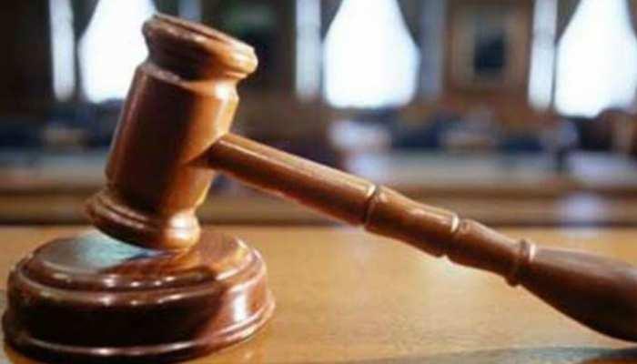 किशनगंज: सरपंच ने निकाला कचहरी के आदेश को पूरा ना करने पर जमानती वारंट, हुए अरेस्ट