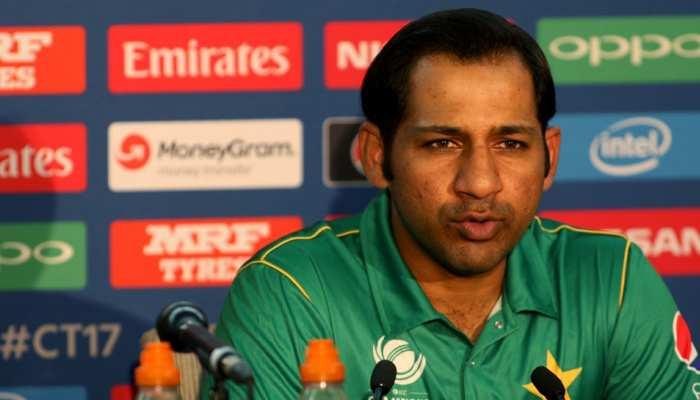 पाकिस्तान में क्रिकेट का भी है बुरा हाल, टीम को करनी पड़ी फैंस से यह अपील