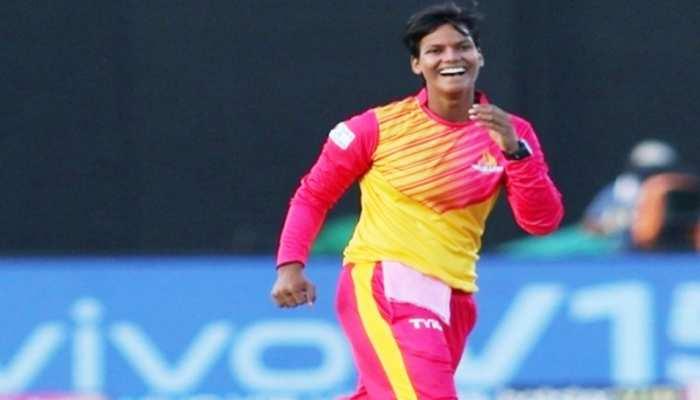 दीप्ति शर्मा का कमाल, एक T20 मैच में ही कर डाले 3 मेडन ओवर, ऐसा करने वाली पहली भारतीय