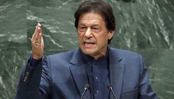 PM मोदी के भाषण के बाद दबाव में दिखे इमरान खान, पीएम मोदी को कह दिया 'राष्ट्रपति'