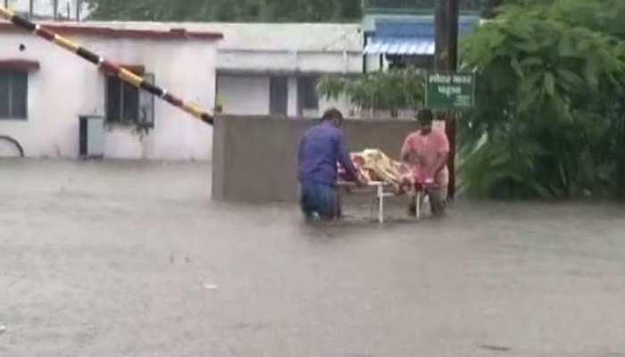 बिहार के 15 जिलों में बारिश का रेड अलर्ट, दो दिनों तक स्कूलों की छुट्टी; बचाव दल तैनात