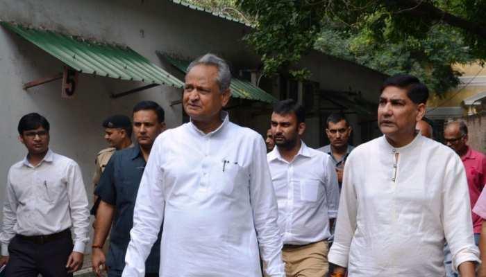 सीएम अशोक गहलोत पहुंचे दिल्ली के 'बीकानेर हाउस', किया जीर्णोद्धार कार्य का निरीक्षण
