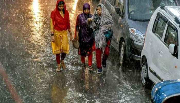 उत्तर प्रदेश में बाढ़ और बारिश ने ढाया कहर, 4 दिन में 104 लोगों की मौत, कई घायल