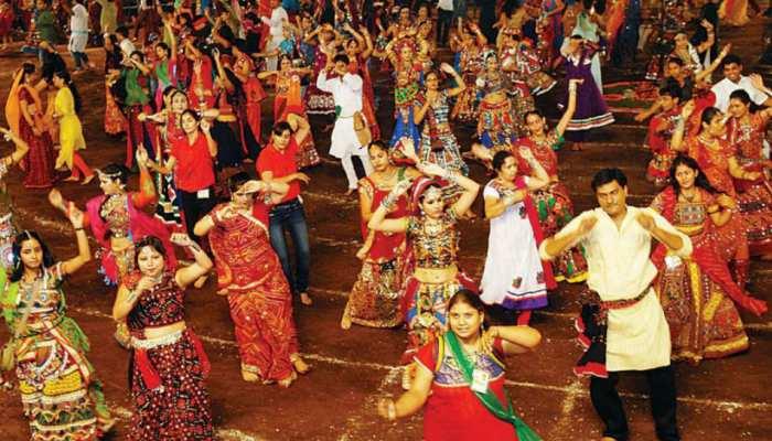 जमशेदपुर: घाटशिला में नवरात्र पर गरबा-डांडिया का आयोजन, लोगों में दिख रहा उत्साह