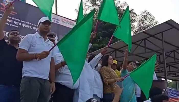 मथुरा में बोलीं हेमा मालिनी, 'पर्यावरण को साफ रखने के लिए सिंगल यूज प्लास्टिक बंद करना होगा'