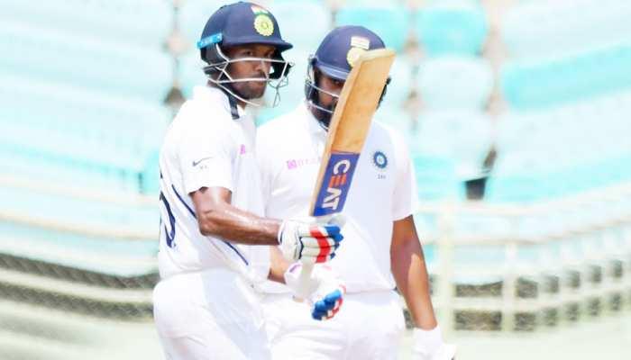INDvsSA: मयंक अग्रवाल ने स्वदेश में लगाया पहला टेस्ट शतक, भारत विशाल स्कोर की ओर