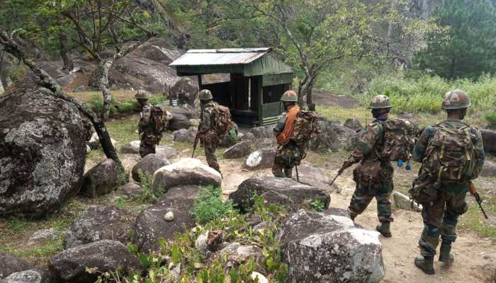 Indian ARMY last post near china border wacha these border areas are getting chinese mobile network