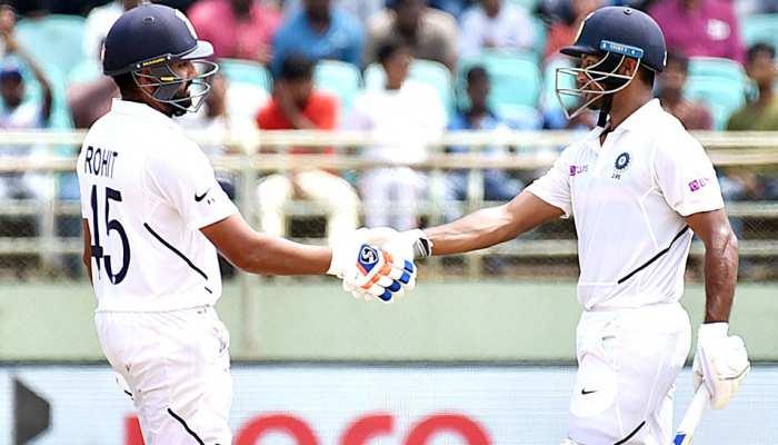 मयंक-रोहित के बाद गेंदबाजों ने दिखाया कमाल, भारत ने दक्षिण अफ्रीका पर कसा शिकंजा