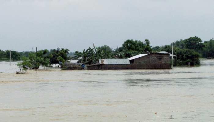 मुंगेर: बाढ़ और बारिश से बेबस हुए लोग, जलजमाव से बढ़ा महामारी का खतरा