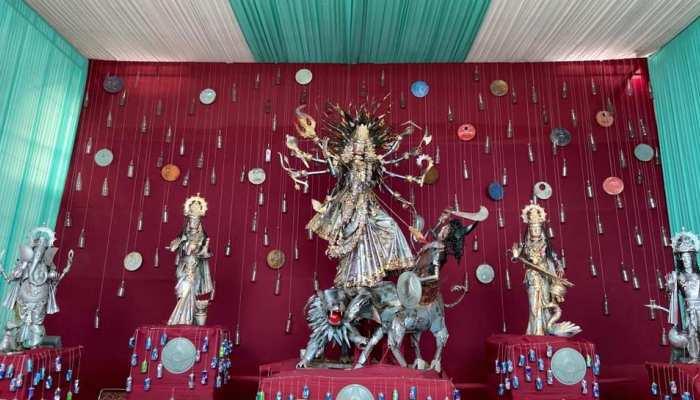 इस साल देखें दुर्गा का ईको-फ्रेंडली अवतार, दिल्ली में रिसाइकिल वेस्ट से बनाई गई 14 फीट ऊंची प्रतिमा
