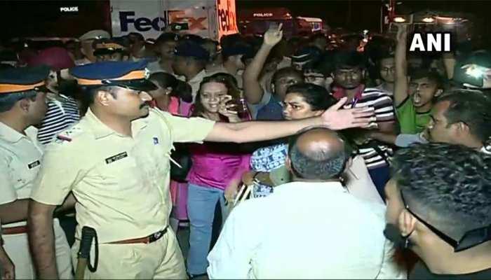 मुंबई मेट्रो: आरे कॉलोनी में पेड़ काटने का विरोध, 29 प्रदर्शनकारियों को किया गया गिरफ्तार