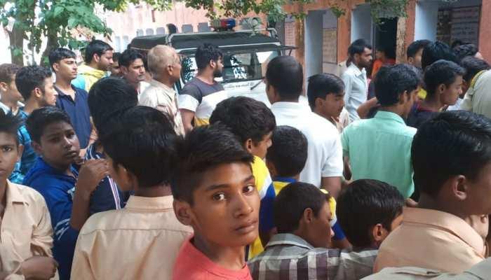 जयपुर: कोटपुतली के स्कूल में अध्यापकों ने की छात्राओं के साथ छेड़छाड़, ग्रामीणों ने की धुनाई