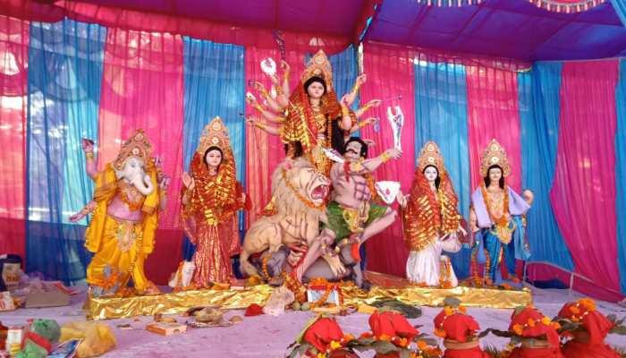 दिल्ली: मयूर विहार का ये पंडाल है बेहद खास, 21 सालों से लगातार हो रहा दुर्गा पूजा का आयोजन