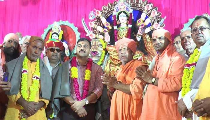 राजस्थान: नवरात्रि में मंदिर पहुंचे दरगाह के गद्दीनशीन, सांप्रदायिक सौहार्द का दिया संदेश