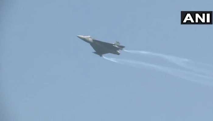 LIVE: वायुसेना दिवस पर विंग कमांडर अभिनंदन वर्धमान ने हिंडन एयरबेस से उड़ाया MiG Bison Aircraft