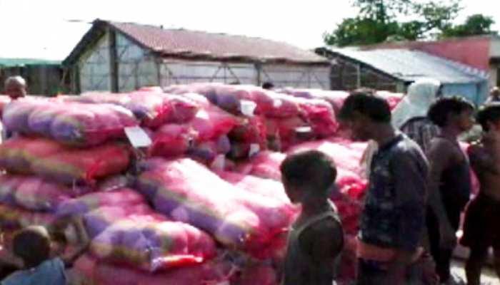 मधेपुरा: एक तरफ बाढ़ से बेहाल हैं लोग, दूसरी तरफ राहत सामग्री में हो रहा है घोटाला!