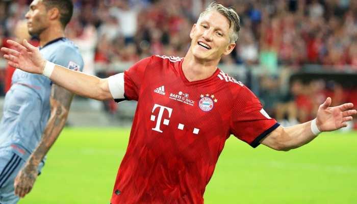 जर्मनी के स्टार फुटबॉलर बैस्टियन श्वेनस्टाइगर ने संन्यास लिया