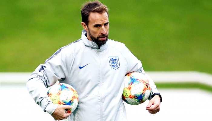 आधे बंद स्टेडियम में मैच खेलेगा इंग्लैंड, कहा- कुछ गड़बड़ हुई तो बीच में छोड़ देंगे मुकाबला