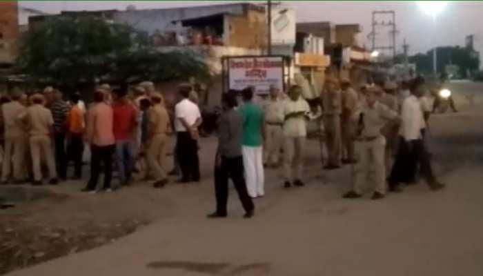 टोंक में विजयादशमी के जुलूस पर पथराव, पुलिस के समझाने के बाद सुबह हो सका रावण दहन