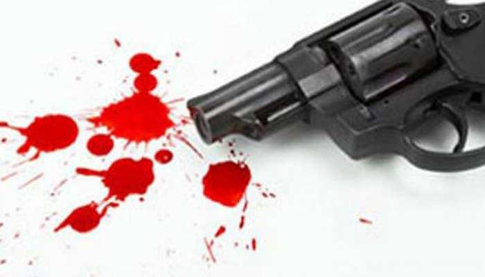 बस्ती में BJP नेता की गोली मारकर हत्या, भीड़ ने दो आरोपियों को दबोचा, गिरफ्तार