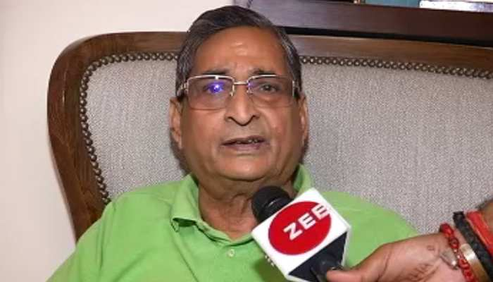 नीतीश कुमार को मिला BJP सांसद का साथ, RK Sinha बोले- बाढ़ के लिए अधिकारी जिम्मेदार